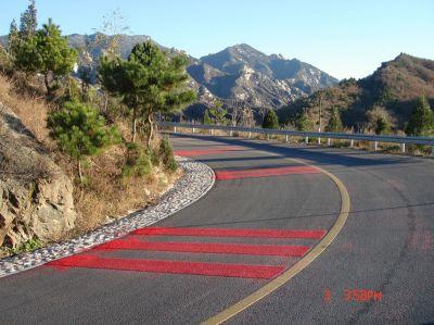 高速公路减速防滑路面10