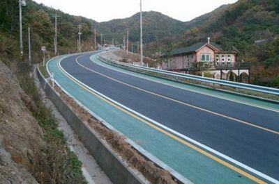 高速公路减速防滑路面13